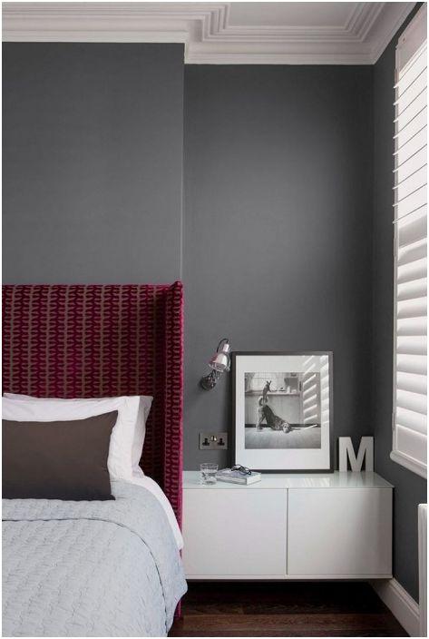 Малък елемент за декорация не само ще украси интериора, но и ще създаде специално настроение в класическа спалня.