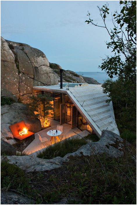 Dom z tarasem widokowym na dachu.