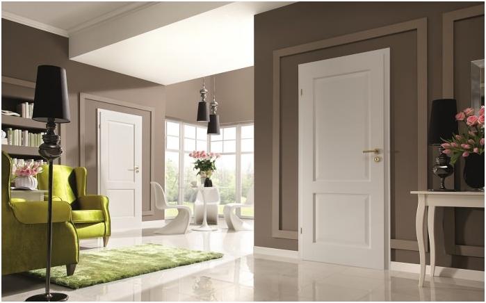 бял под, дъски и врати