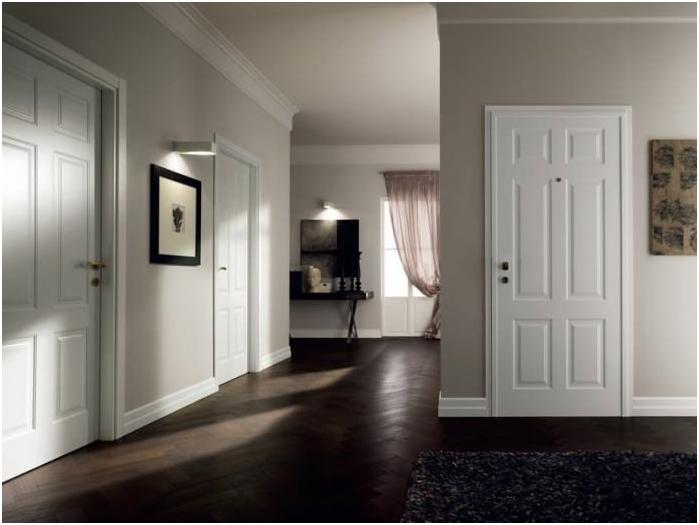 Врата и перваза - светъл, под - тъмен