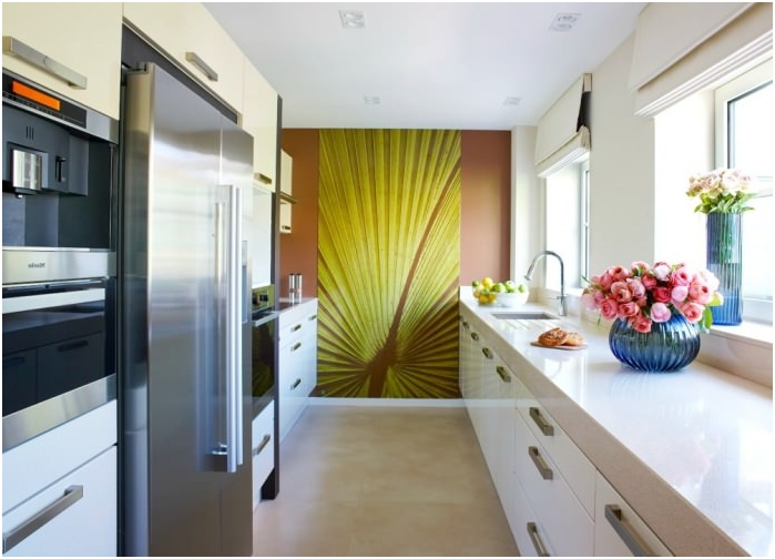 сочетание цветов стен, пола и потолка в узкой комнатесочетание цветов стен, пола и потолка в узкой комнате