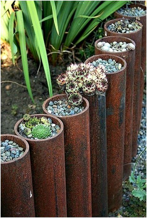 Az eredeti virágágyás kerítés.