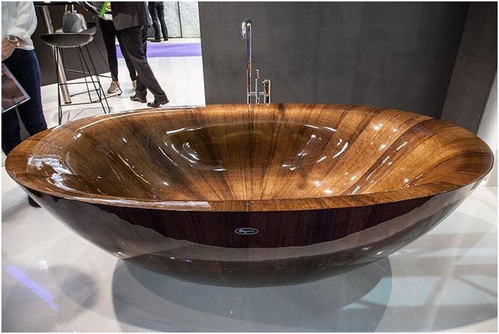 Дървена вана - радост за душата и декорация за дома