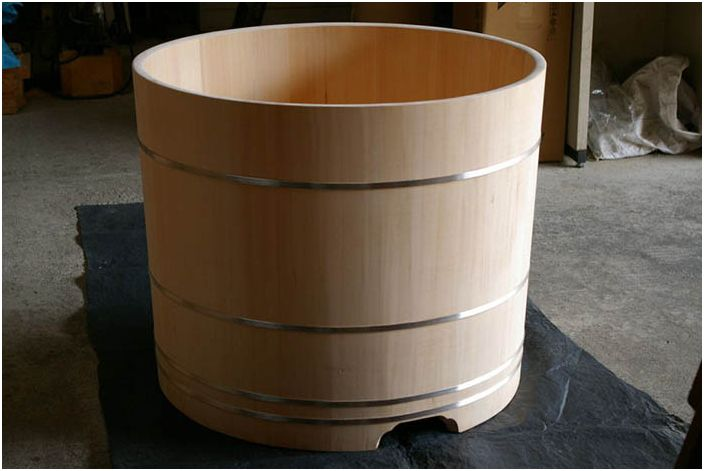 Традиционна кипарисова баня от Bartok Design