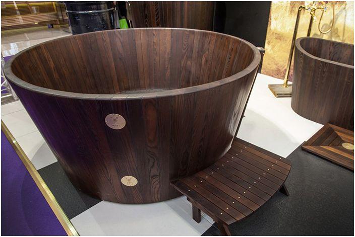 Дървена вана от KHIS