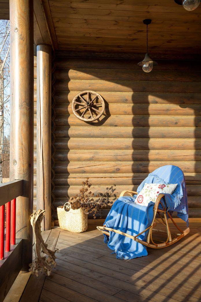 дизайн на тераса в дървена къща