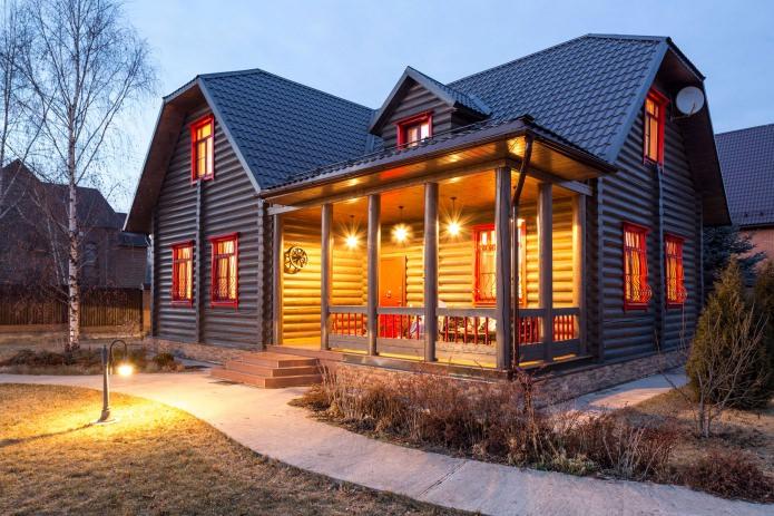 осветление на тераса в дървена дървена къща
