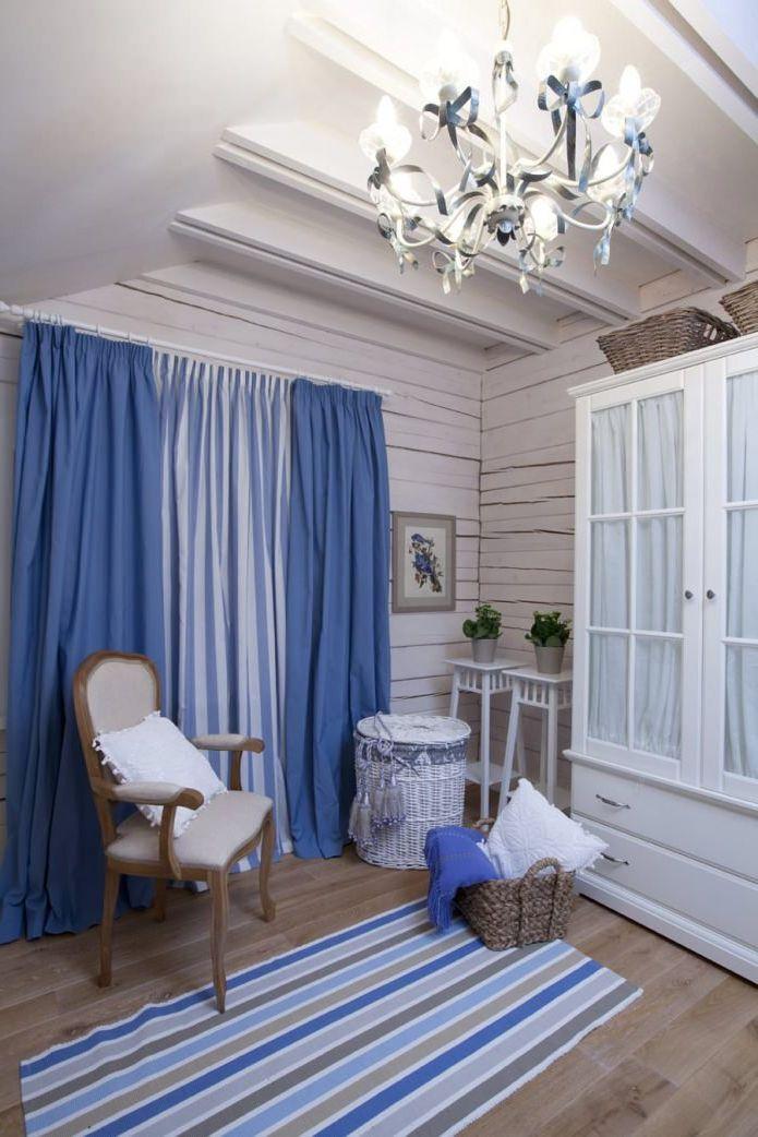 interiørdesign av huset i stil med provence