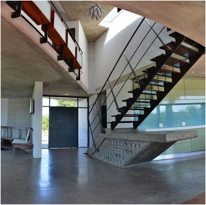 Двуетажна къща дизайн