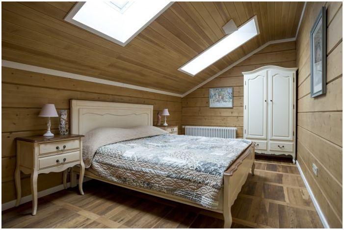 спальня в дизайне интерьера деревянного дома