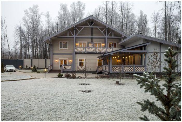 Дизайн интерьера деревянного дома из бруса от Nasonov DesignWerke
