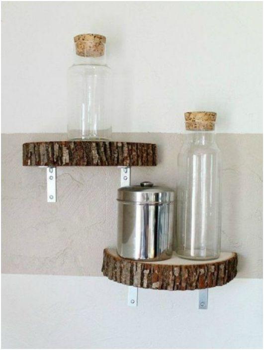 Дървени рафтове