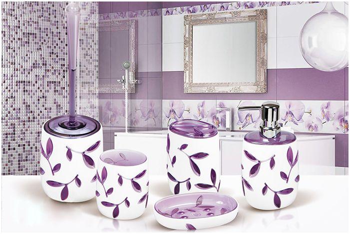 лилави аксесоари за баня