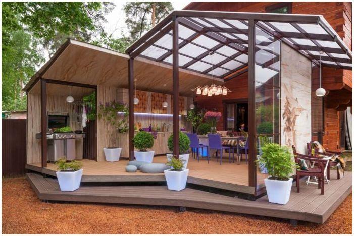 Дизайн на тераса в частна къща в района на Москва