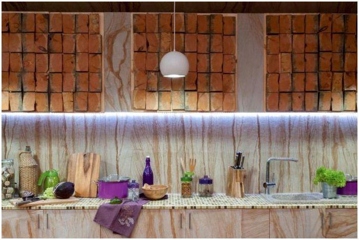 кухня в интериора на затворената тераса на къщата