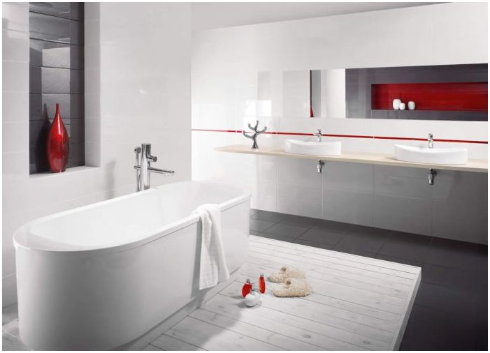 интериор на банята в червено и бяло