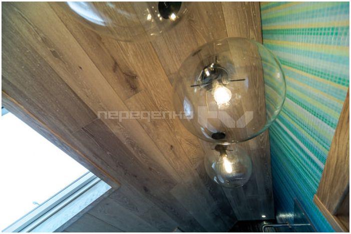 szklane kule-wisiorki w łazience