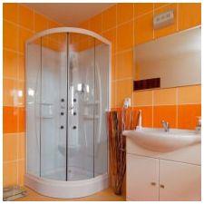 Дизайн ванной комнаты в оранжевом цвете-1