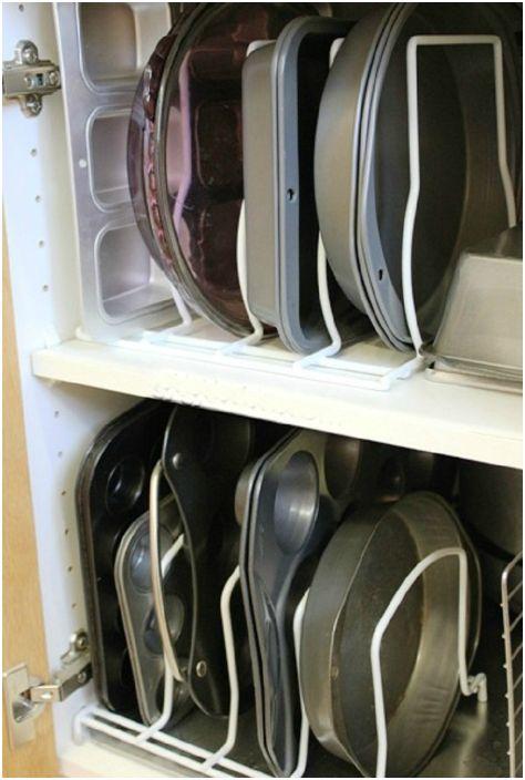 Хранение форм для выпечки.