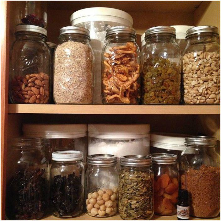 Хранение орехов, хлопьев и сухофруктов.