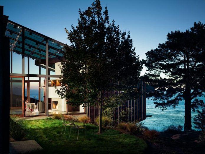 къща с гледка към океана