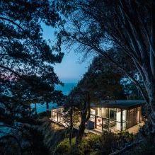 Къща на скала с изглед към океана-23