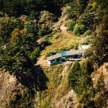 Къща на скала с изглед към океана-3