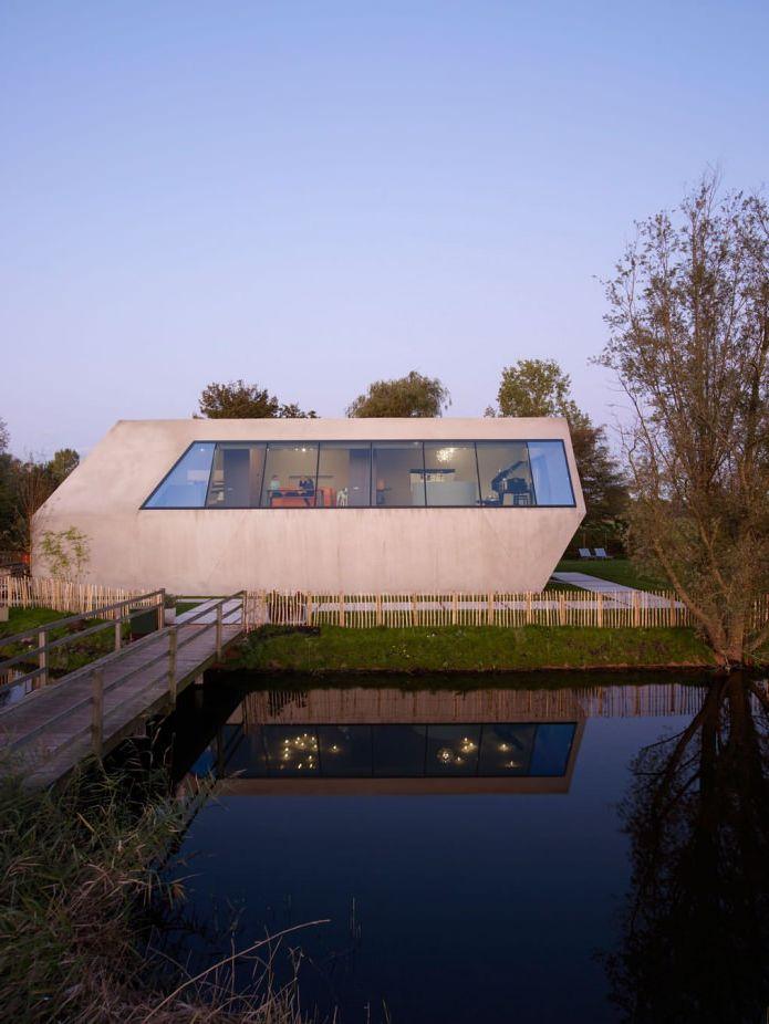 къща с необичайна форма
