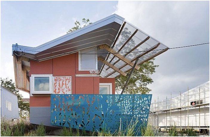 FLOAT House е амфибиен дом за благотворителността на актьора Брад Пит.