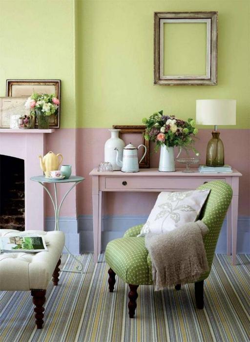 Пролетен интериор на всекидневната.