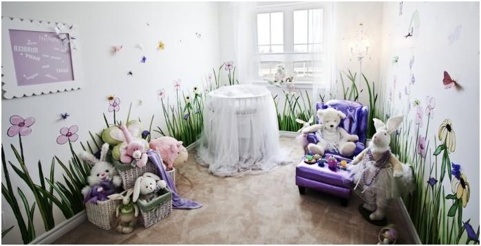 интериор на детска стая за новородено с фототапет