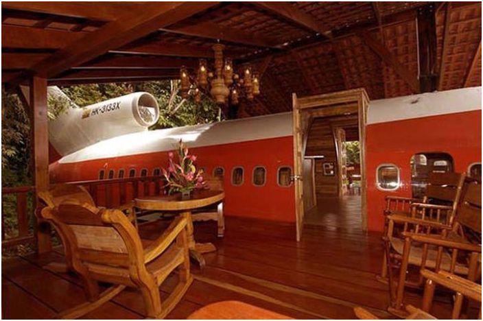 Роскошный отель на борту бывшего самолета.