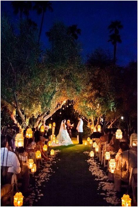 Сладка сватбена украса с фенери, които придават специална атмосфера.