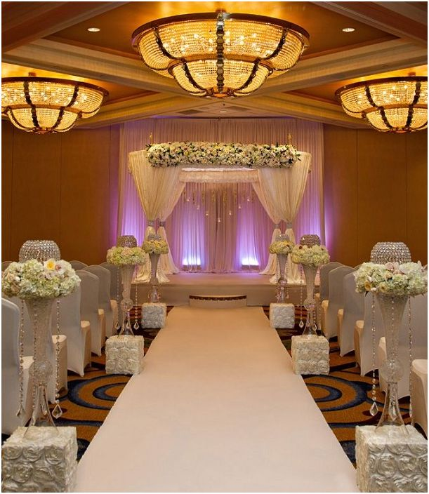 Интересен вариант за декориране на сватбено тържество с помощта на необичайно осветление.