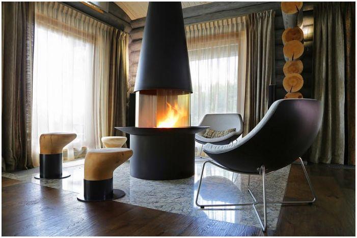интериор на дървена къща от дървен материал с камина