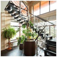 Интериор на къщата, изработен от залепен ламиниран дървен материал 200 кв. m-1