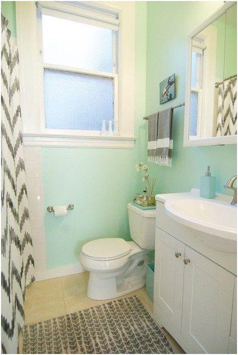 Светло син нюанс в интериора на банята