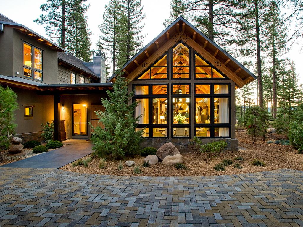 piękny dom w lesie