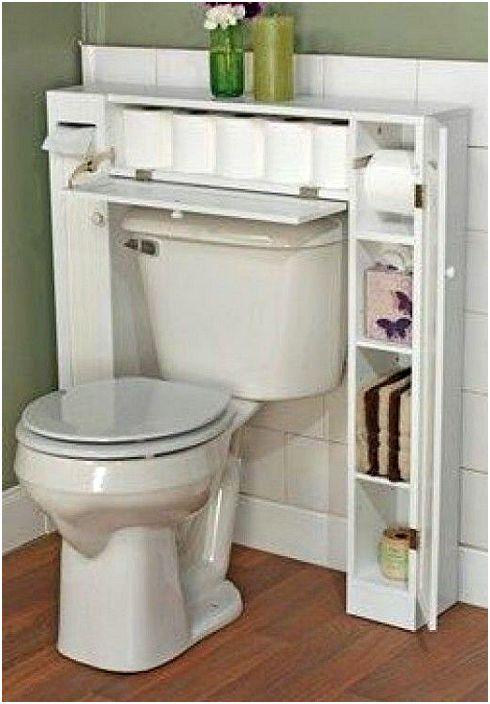 U-образен шкаф зад тоалетната.