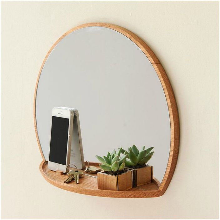Огледало с рафт.