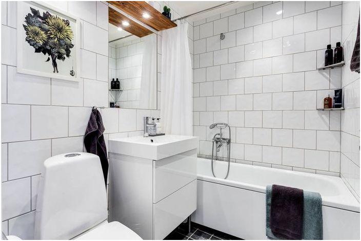 Интериор в малка баня
