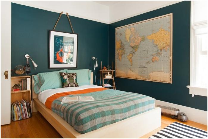 maailmankartta makuuhuoneen sisätiloissa