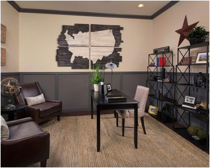 kartta toimiston sisätiloissa