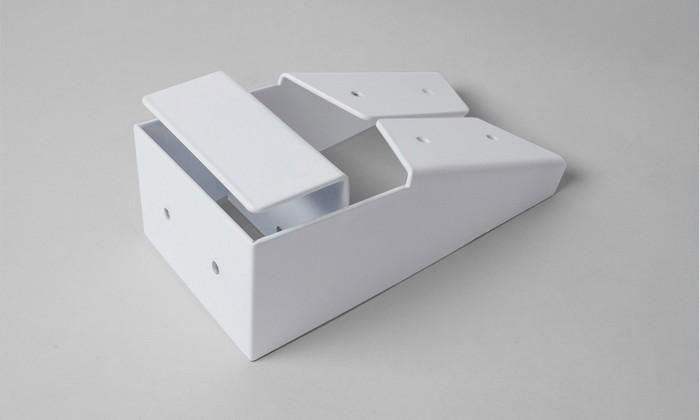 UX4 to uniwersalny system mocowania, który pozwala na montaż dowolnych mebli