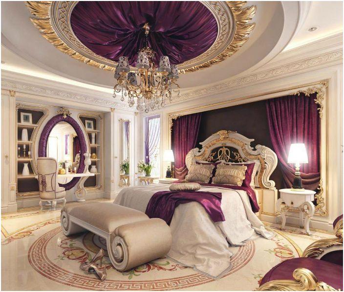 Луксозен интериор на женска спалня.