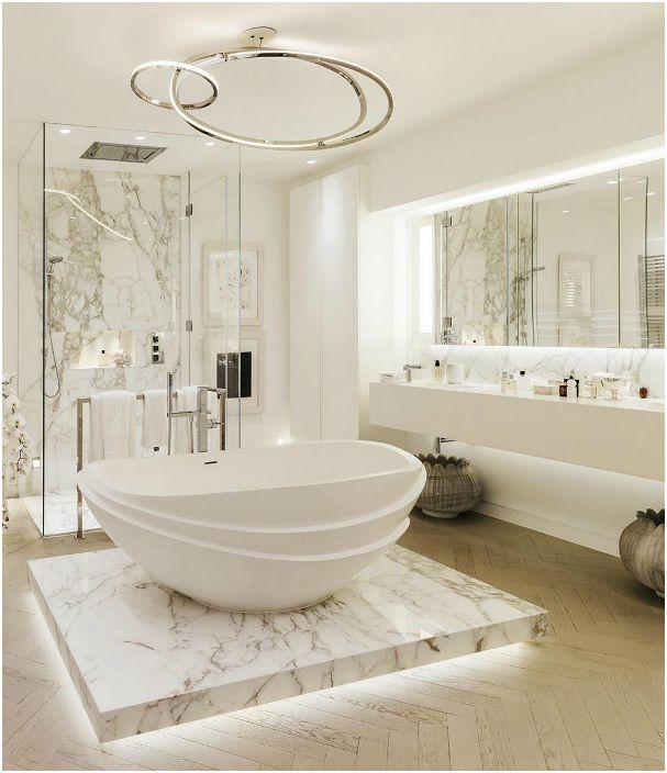 Лек интериор за баня.