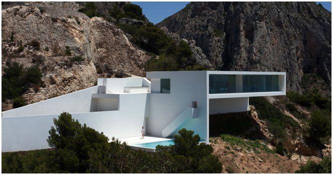 Dom na zboczach gór
