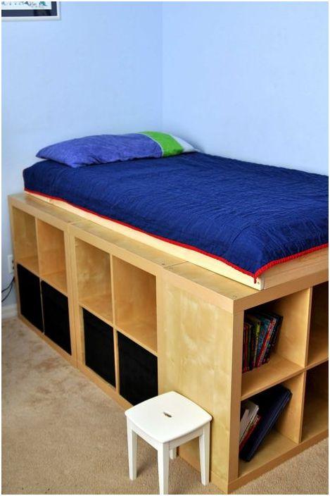 Łóżko ze schowkami