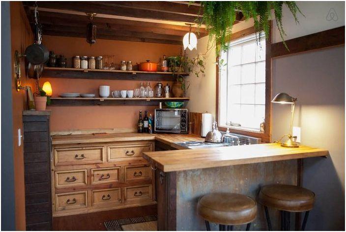 Pieni keittiön sisustus