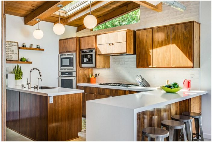 Taitavasti uusitut keittiöt voivat olla uskomattomia moderniin tyyliin.